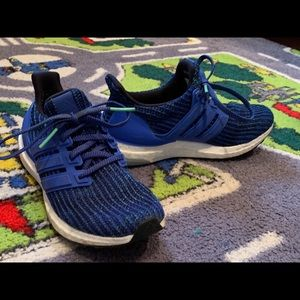 Youth Adidas Boost sneakers